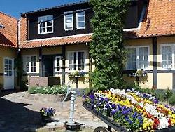 Ferienhaus, Ferienwohnung ,Sommerhaus: Übernachtungsmöglichkeit in 3760 Gudhjem       -  Pension Slægtsgården