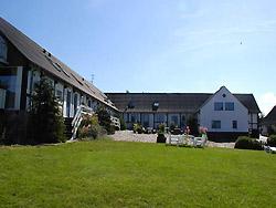 Bornholm: Folkemøde overnatning Sommerhus, Feriehus, Hotel, Pension  -  Borregård