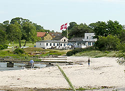You can experience gastronomic specialities in restaurants, Cafees and Smoked huses on Bornholm!     - Melsted Badehotel