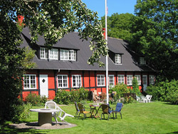 Bornholm: Folkemøde overnatning Sommerhus, Feriehus, Hotel, Pension  -  Gyldensgård